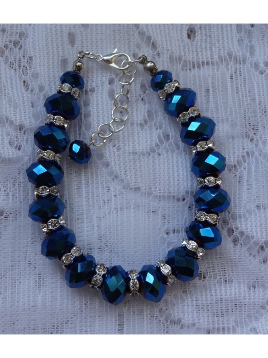 Apyrankė: tamsiai mėlynas stiklas