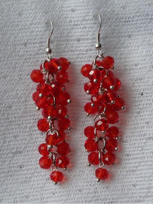 Auskarai - kekės: raudonas stiklas, stikliniai karoliukai