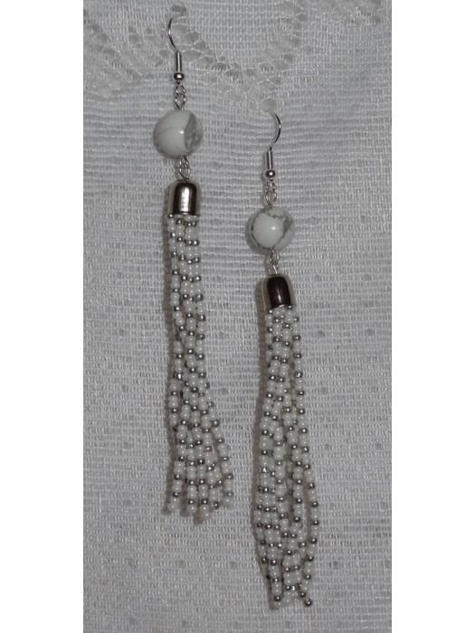 Ilgi auskarai su haulitu ir baltai sidabriniais karoliukais
