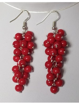 Raudonų stiklinių perliukų auskarai kekės