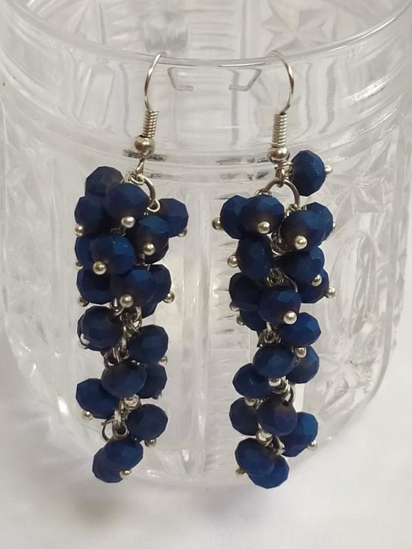 Mėlynų matinių stiklinių karoliukų auskarai kekės