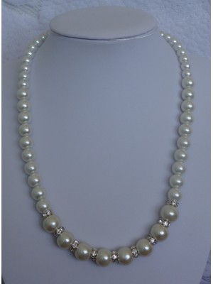 Perlų karoliai su intarpais