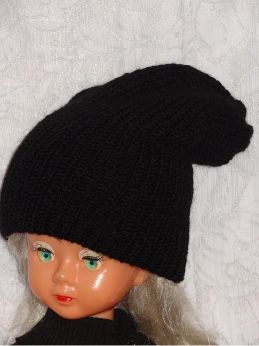 Ilga dviguba šilta juoda kepurė