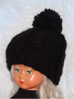 Stora juoda kepurė