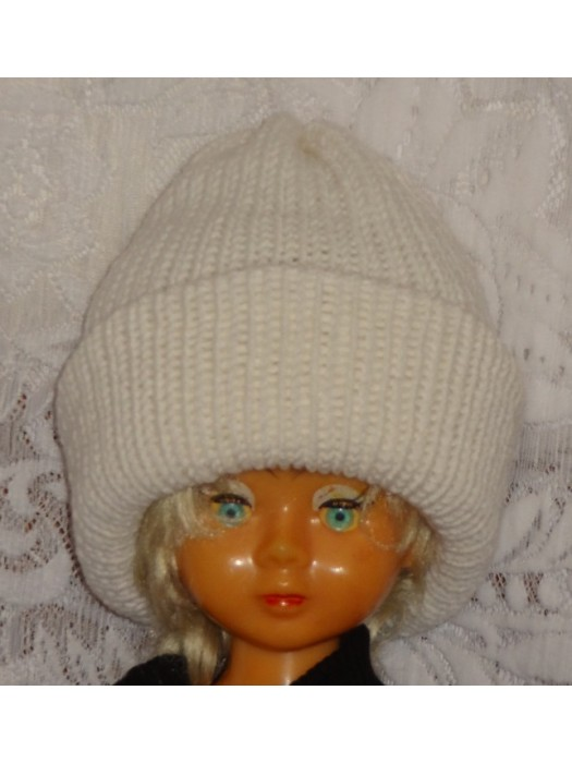 Dviguba šilta balta kepurė