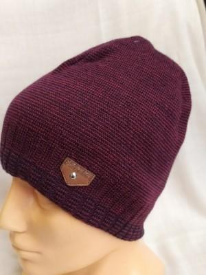 Bordo vyriška kepurė