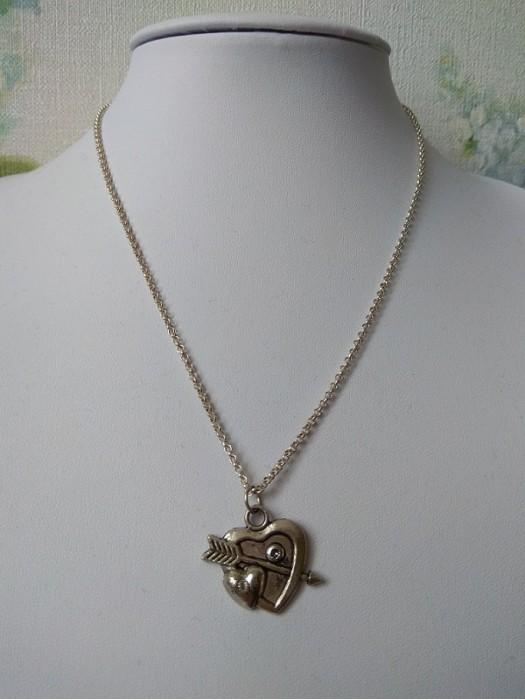 Širdelė pakabukas su grandinėle
