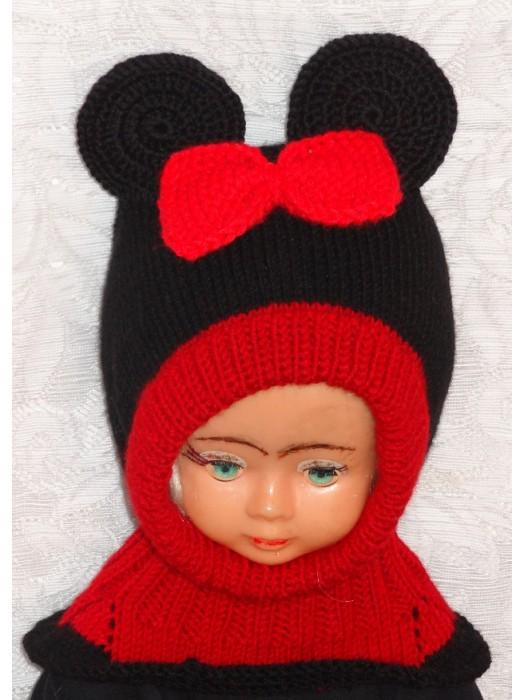Raudonai juoda su bantuku pelytė kepurė šalmas